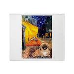 Cafe /Pekingese (r) Throw Blanket