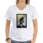 Climb On Lizard Women's V-Neck T-Shirt