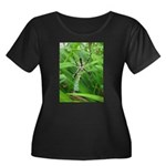 .garden spider. Women's Plus Size Scoop Neck Dark