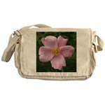 .light pink rose. Messenger Bag