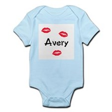 Avery kisses Infant Bodysuit