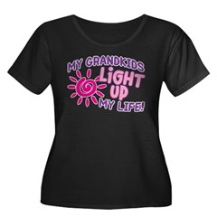 GRANDKIDS LIGHT UP MY LIFE Women's Plus Size Scoop