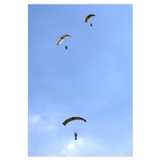 Paratroopers from the Pathfinder Platoon descend t