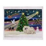 XmasMagic/ Pekingese (w) Throw Blanket