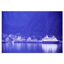 Alaska, Juneau, Cruise ship near waterfront