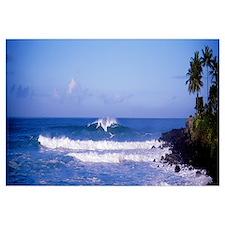 Hawaii, Waimea Bay, breaking waves