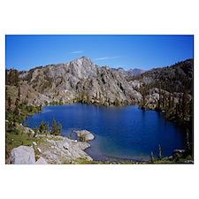 Lake surrounded by rocks, Thousand Island Lake, An