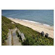Stepped walkway leading towards a beach, Siasconse