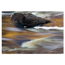 Water rushing over rocks, close up, Saint Louis Ri