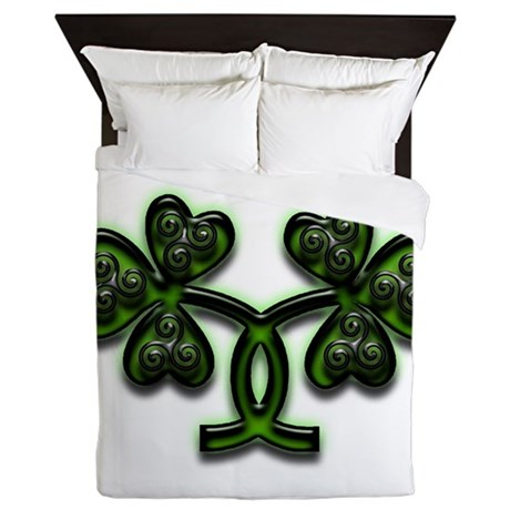 Triskele Shamrocks Queen Duvet