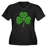 Irish Shamrock Skulls Women's Plus Size V-Neck Dar