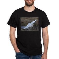 Snowy Owl in flight T-Shirt