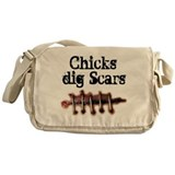 Chicks dig Scars Messenger Bag