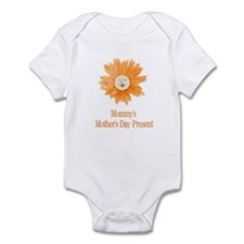 Mommy's Mothers Day Present Infant Bodysuit