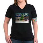Xmas Magic & 2 Cairns Women's V-Neck Dark T-Shirt