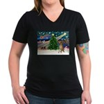 Xmas Magic & Gr Dane Women's V-Neck Dark T-Shirt