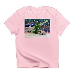XmasMagic/Pekingese (R) Infant T-Shirt