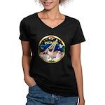 XmasSunrise/Pug Women's V-Neck Dark T-Shirt