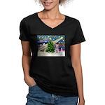 XmasMagic/Schnauzer (W) Women's V-Neck Dark T-Shir
