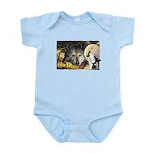 wolf howling Infant Bodysuit