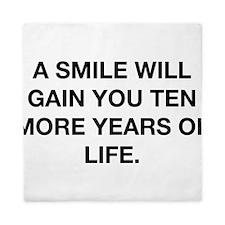A Smile Will Gain You Ten Years Queen Duvet