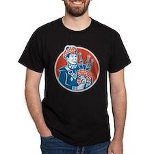 Scotsman Scottish Bagpiper Retro T-Shirt