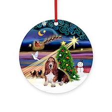 XmasMagi - Basset Hound Ornament (Round)