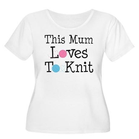 Mum Loves Knitting Women's Plus Size Scoop Neck T-