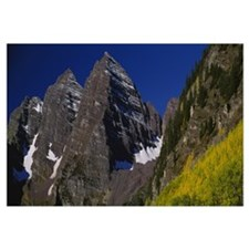 Low angle view of mountains, Maroon Bells, Maroon