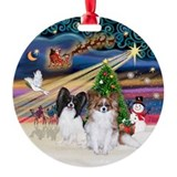 Xmas Magic-2 Papillons (Blk+Sab) Ornament (Round)