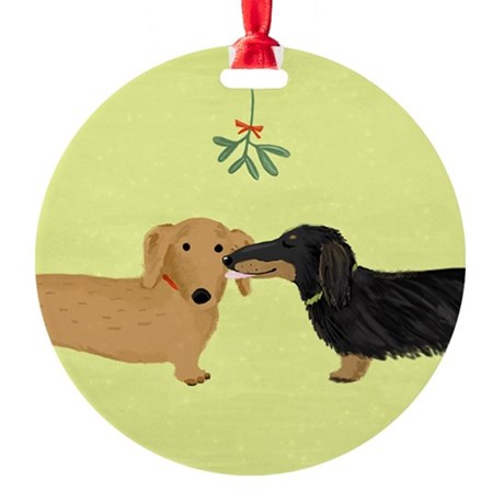 Doxie Mistletoe Kiss Ornament
