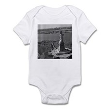 Vintage Statue Of Liberty Infant Bodysuit