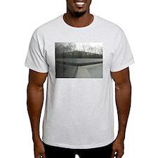 Vietnam war memorial wall reflection T-Shirt