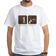 2-spray and pray black T-Shirt