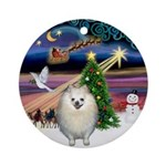 Xmas Magic & Pomeranian Ornament (Round)