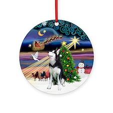Xmas Magic & Siberian Husky (1) Ornament (Round)