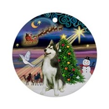 Xmas Magic & Siberian Husky (#2) Ornament (Round)
