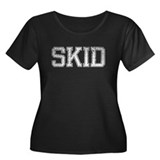 SKID, Vintage Women's Plus Size Scoop Neck Dark T-