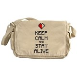 Keep calm stay alive 2c Messenger Bag