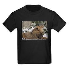 Lion in Snow Kids Dark T-Shirt