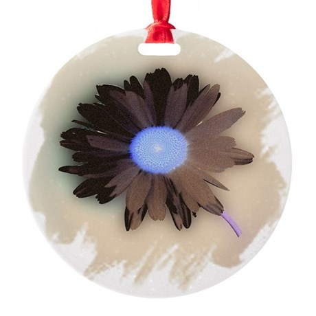Country Daisy Round Ornament