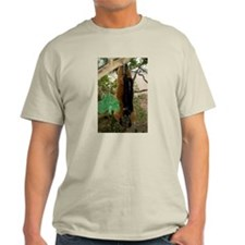 Red Ruffed Lemur with Shamrock Light T-Shirt