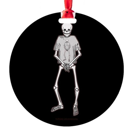 T-Shirt Skeleton Round Ornament
