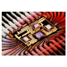 Enhanced macrophoto of a hybrid integrated circuit