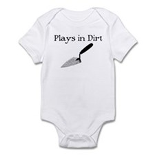 PLAYS IN DIRT Infant Bodysuit