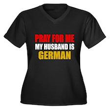 Pray Husband German Women's Plus Size V-Neck Dark