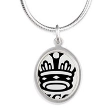 queen.jpg Silver Oval Necklace