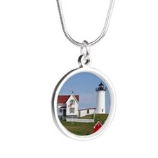Nubble Light Silver Round Necklace