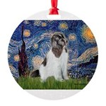 STARRY-Newfie-Landseer4.png Round Ornament