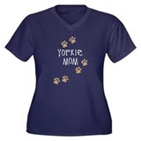 yorkie mom wh.png Plus Size T-Shirt